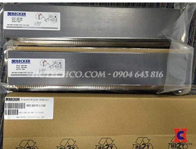 Cánh gạt carbon Becker 90136701005 WN124-19