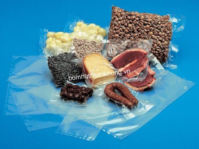 Bơm hút chân không được sử dụng trong quy trình đóng gói bao bì