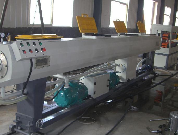 Ứng dụng bơm chân không vòng dầu Wonchang trong sản xuất nhựa