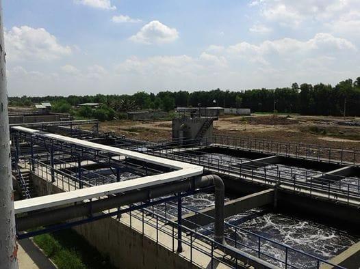 Ứng dụng bơm hút chân không trong công nghiệp xử lý nước thải