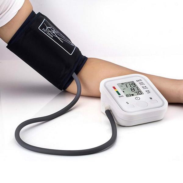 Áp suất được ứng dụng vào máy đo huyết áp, giúp con người theo dõi sức khỏe tốt hơn